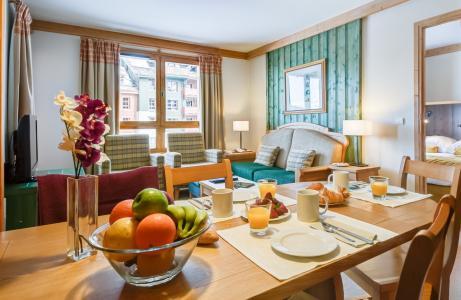 Vacances en montagne Résidence P&V Premium le Village - Les Arcs - Table