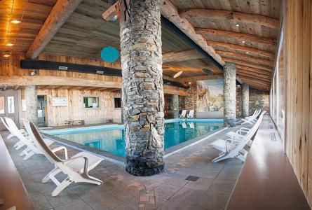 Vacances en montagne Résidence P&V Premium les Hauts Bois - La Plagne - Piscine