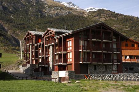 Vacances en montagne Résidence Pied de Pistes - Val Cenis - Extérieur été