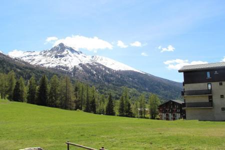 Vacances en montagne Studio cabine 4 personnes (A004) - Résidence Pied de Pistes - Val Cenis - Extérieur été