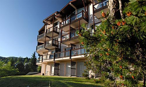 Location au ski Residence Pierre Et Vacances Le Pedrou - Font Romeu - Extérieur été