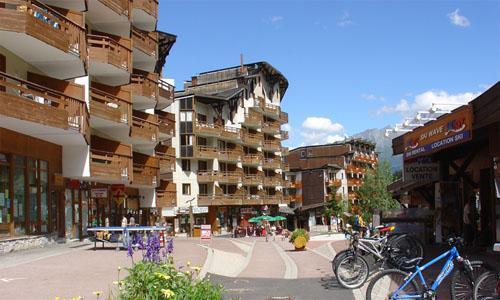Vacances en montagne Résidence Pierre & Vacances le Christiania - La Tania - Extérieur été