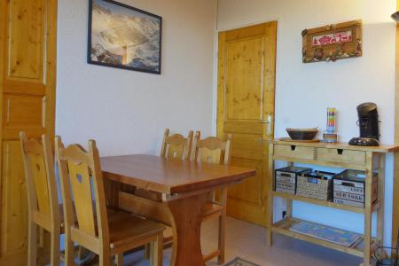 Vacances en montagne Appartement 2 pièces 4 personnes (417) - Résidence Plein Soleil - Méribel-Mottaret