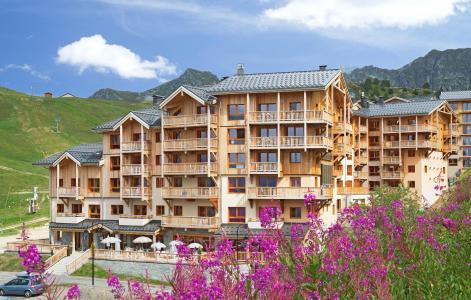 Holiday in mountain resort Résidence Prestige Front de Neige - La Plagne - Summer outside