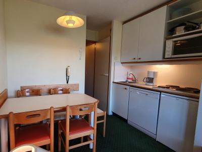 Vacances en montagne Appartement 2 pièces 5 personnes (104) - Résidence Sextant - Montchavin La Plagne - Table