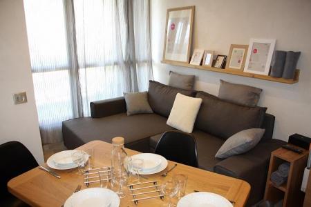 Vacances en montagne Appartement 2 pièces cabine 4 personnes (104) - Résidence Soldanelles - Les Menuires - Table