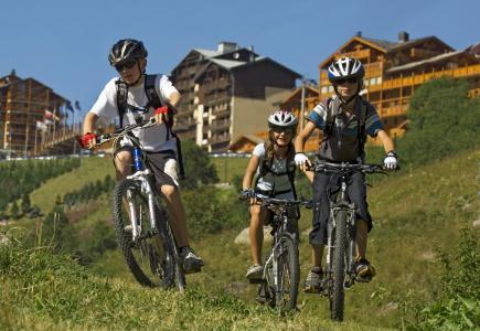 Location au ski Residence Soleil Vacances Les Menuires - Les Menuires - Extérieur été