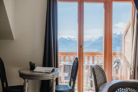 Vacances en montagne Résidence Sunêlia les Logis d'Orres - Les Orres - Table