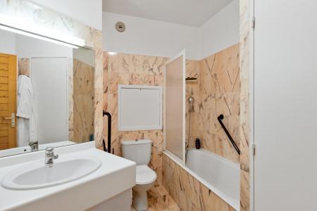 Vacances en montagne Studio cabine 4 personnes (TARB10) - Résidence Tarentaise - Brides Les Bains - Baignoire