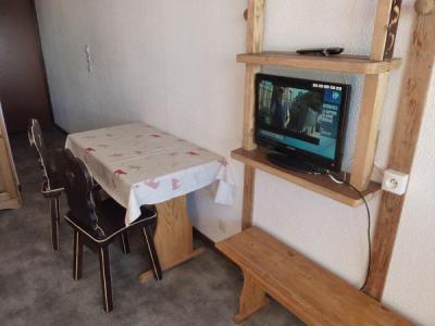 Vacances en montagne Studio 2 personnes (158) - Résidence Vanoise - Val Thorens - Table