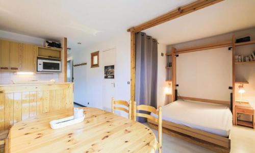 Location au ski Studio 4 personnes (Budget 26m²-3) - Résidence Verseau - Maeva Home - Flaine - Table