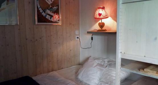 Vacances en montagne Studio cabine 4 personnes (120) - Résidence Villaret - Les Menuires - Canapé