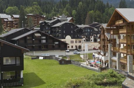 Location au ski Résidences du Plateau des Esserts - Morillon - Extérieur été