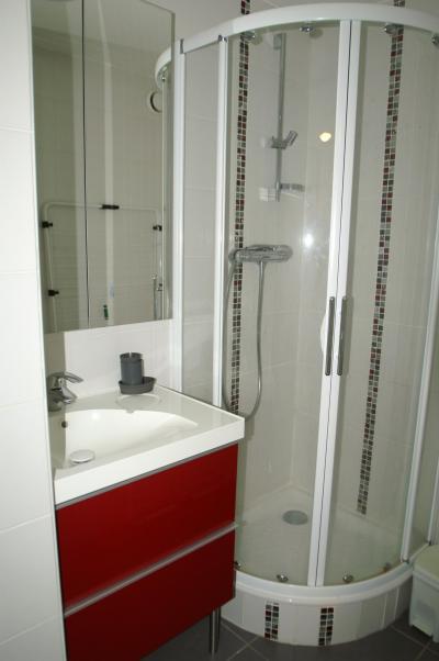 Urlaub in den Bergen 3-Zimmer-Appartment für 7 Personen (Standard) - Résidences Prapoutel les 7 Laux - Les 7 Laux - Dusche
