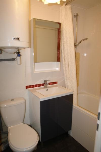 Vacances en montagne Appartement 2 pièces 5 personnes (standard) - Résidences Prapoutel les 7 Laux - Les 7 Laux - Salle de bains
